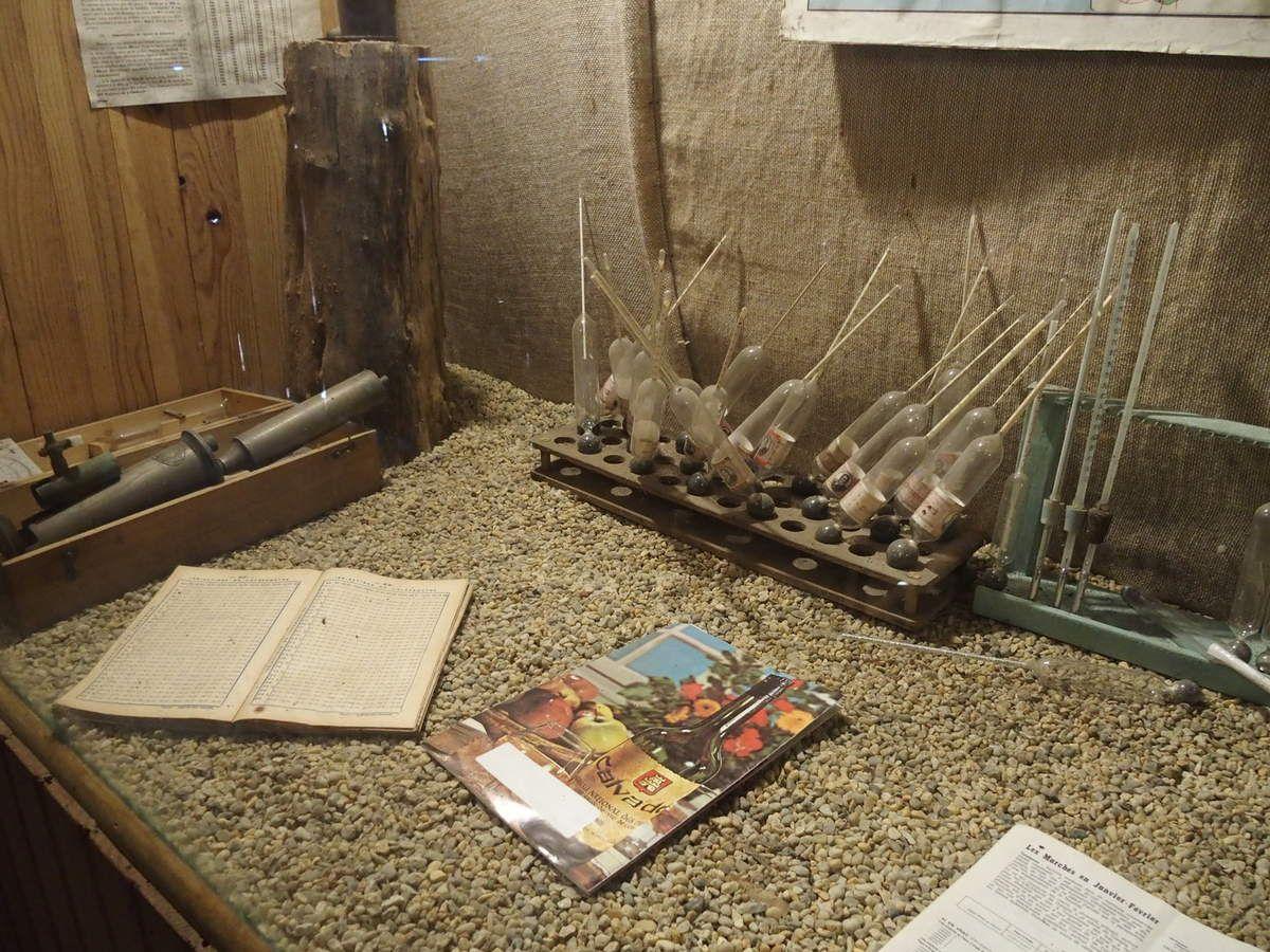 Des instruments de mesure pour le cidre et le Calvados.
