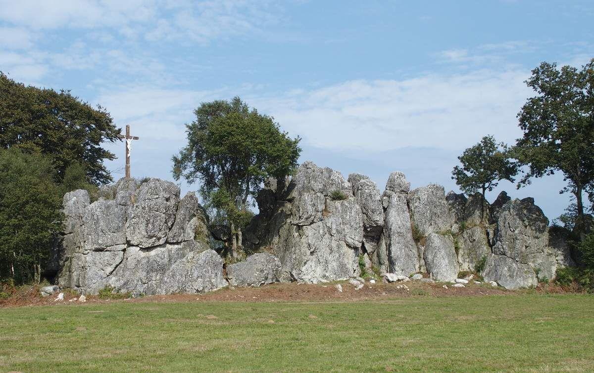 Les roches d'Orgères, domaine de la fée Quasnon.