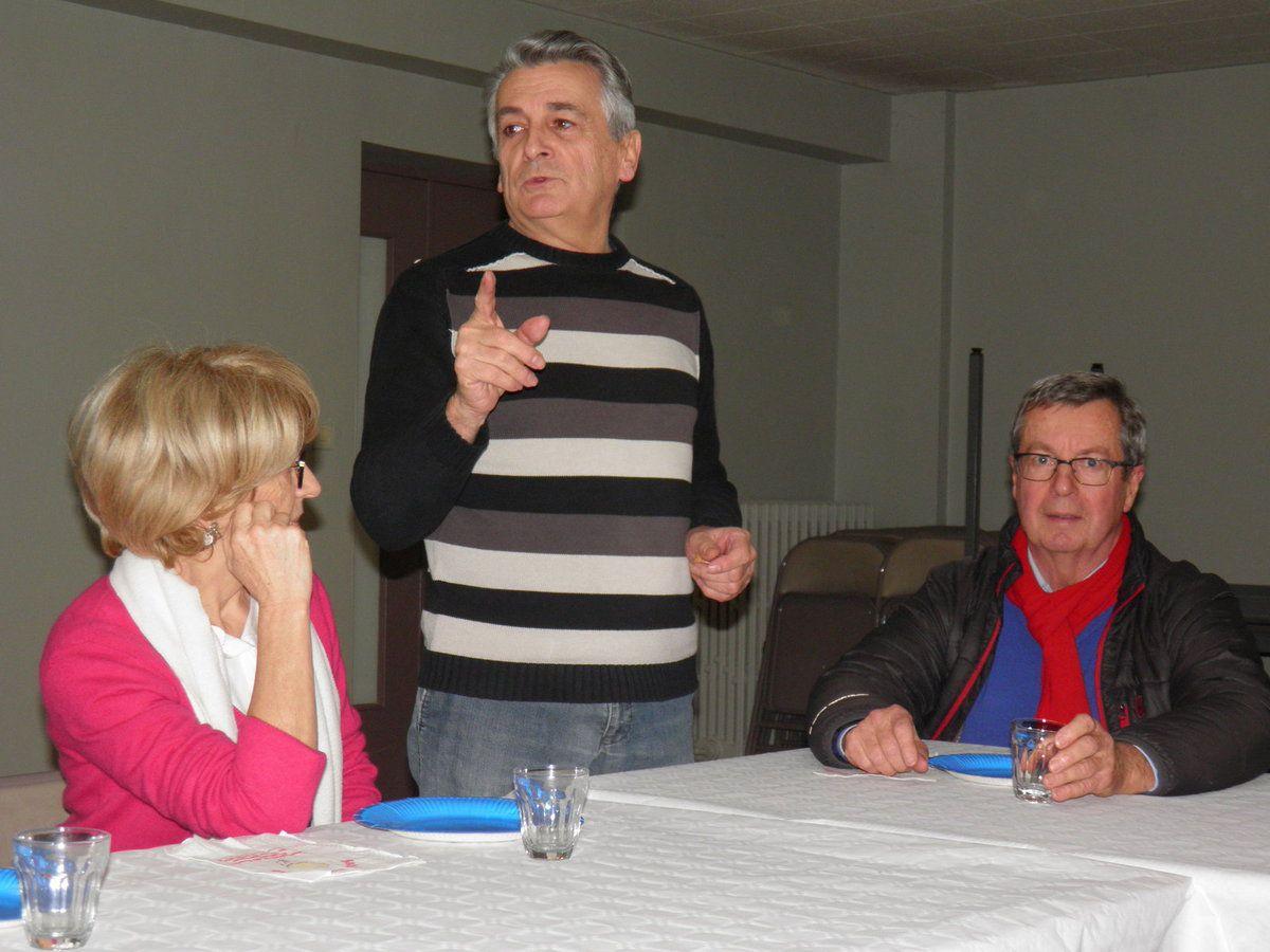 Michel, le Grand Maistre rend hommage à André Hiron.