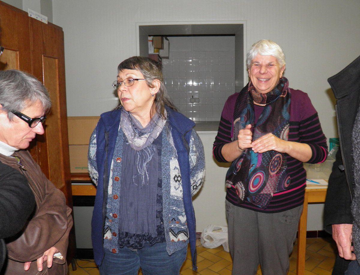 Fins Goustiers et Amis de la Confrérie se retrouvent salle des associations.