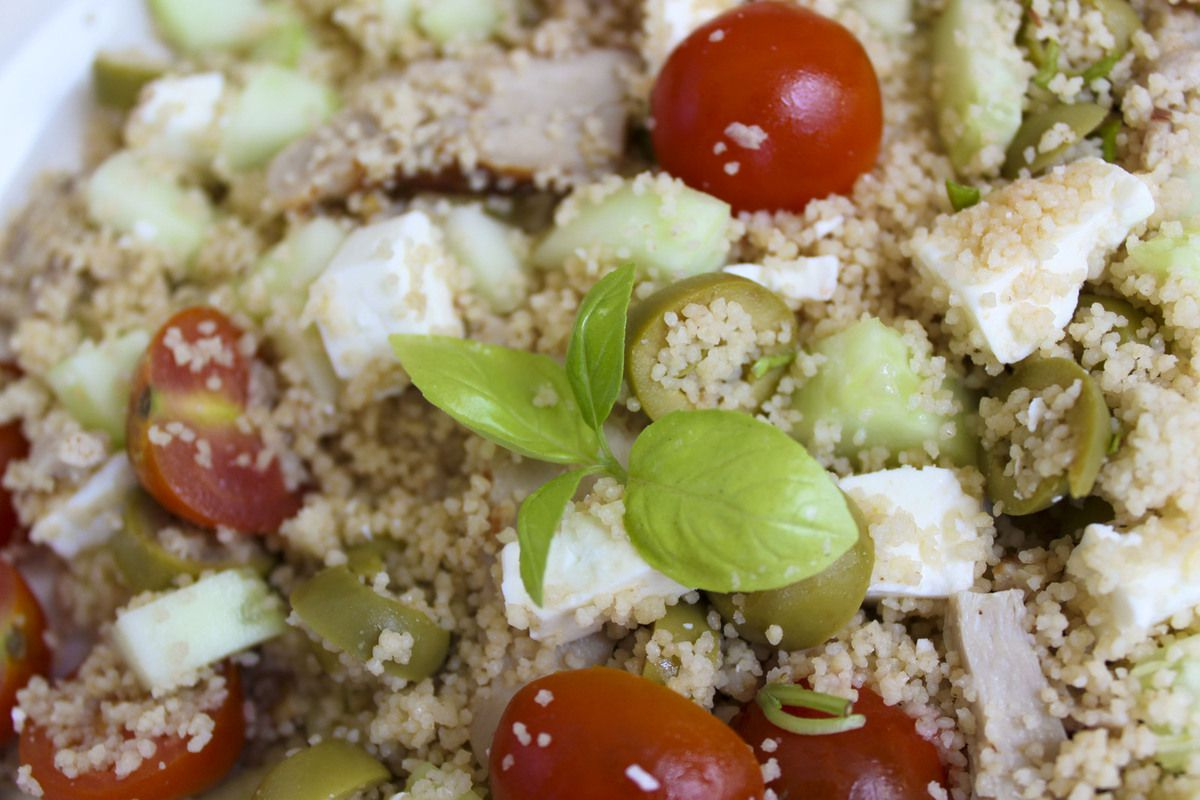 Salade estivale de semoule et sa touche de basilic
