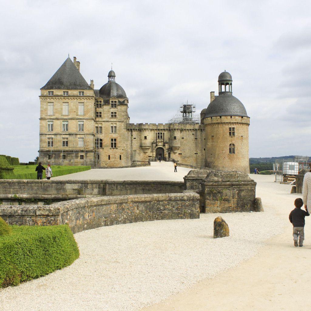 Remonter le cours des siècles au château de Hautefort...