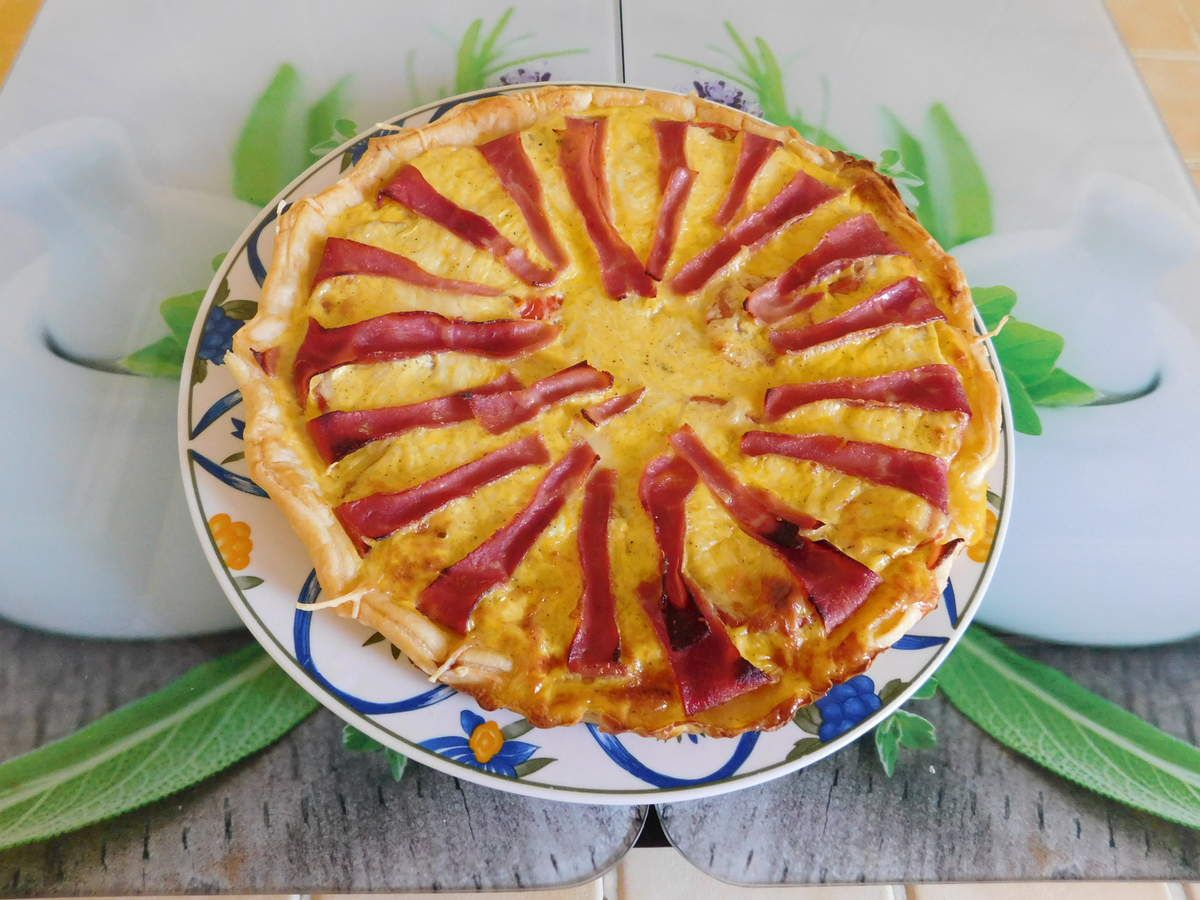 Tarte soleil , jambon , tomates