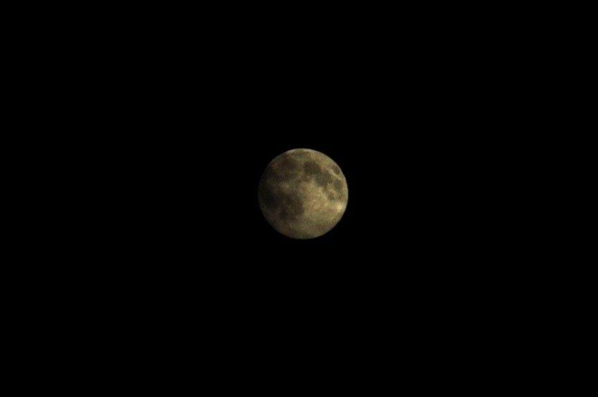 Sans nuage, pleine lune.