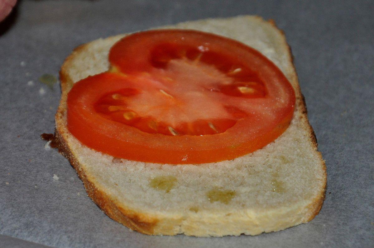 Une belle tranche de tomate nature.