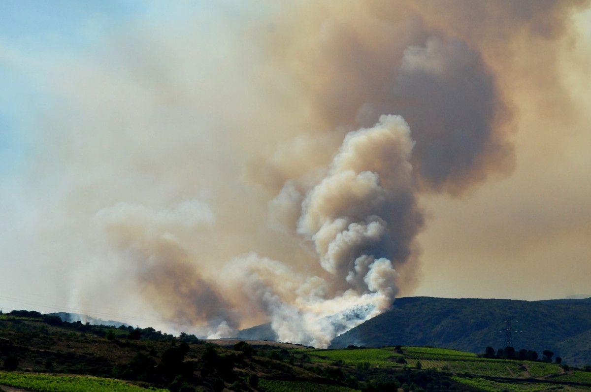 18h15 le feu sur le massif de la Toureze.