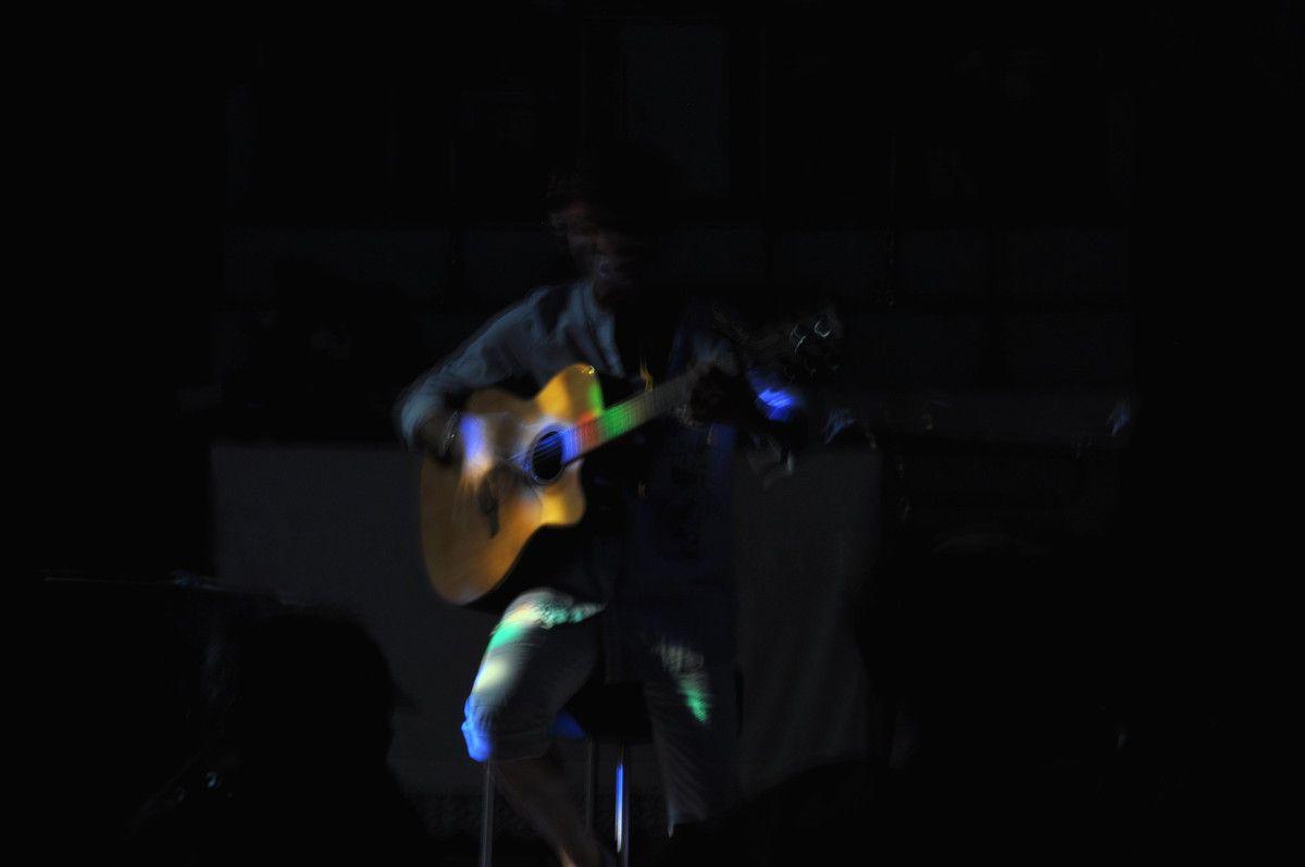 que la guitare est belle.