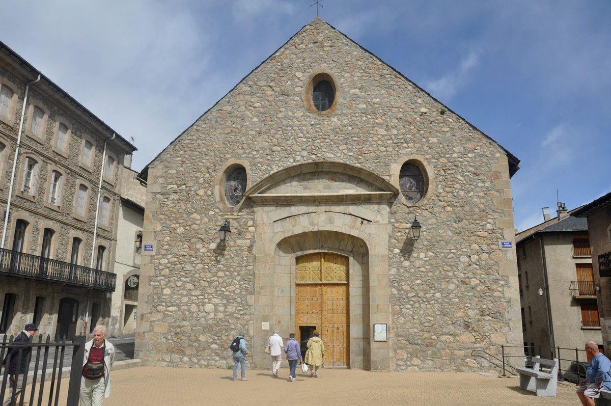 Voici l'église.