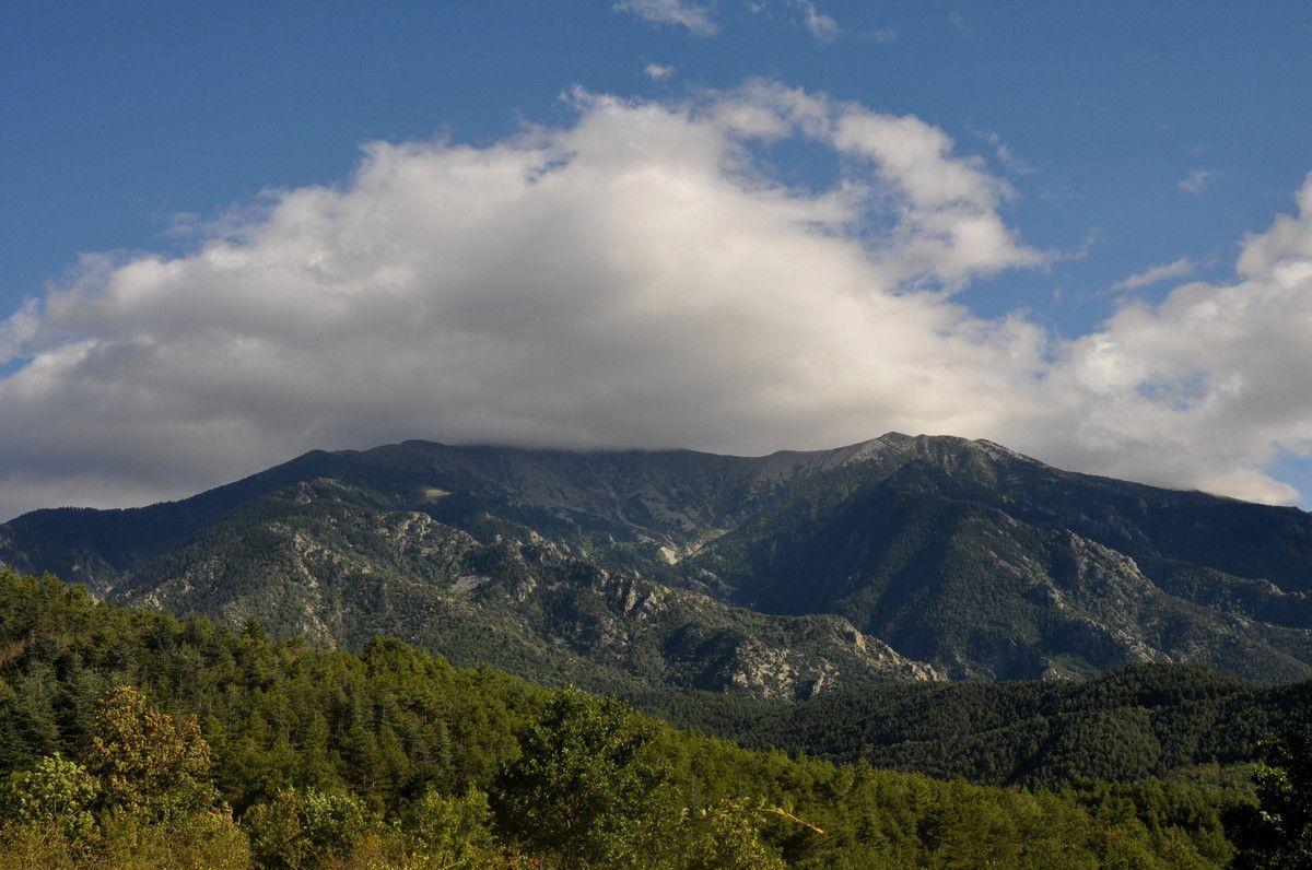 La montagne dans les nuages.
