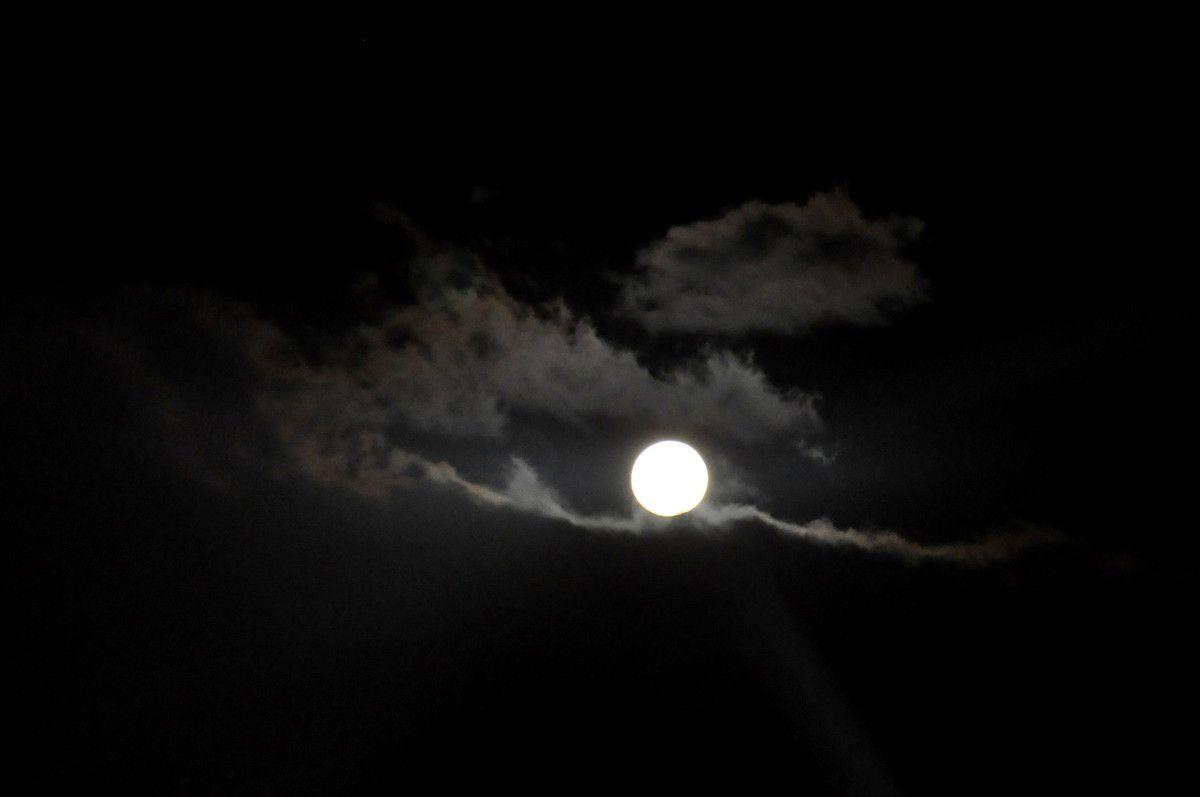 Voici l'objet du reportage, la lune !