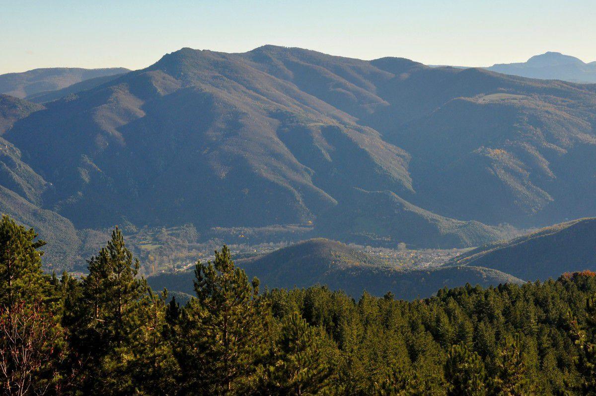 La montagne et la vallée.