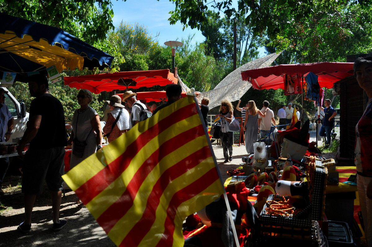 Au pays catalan la fête de la cerise on aime.
