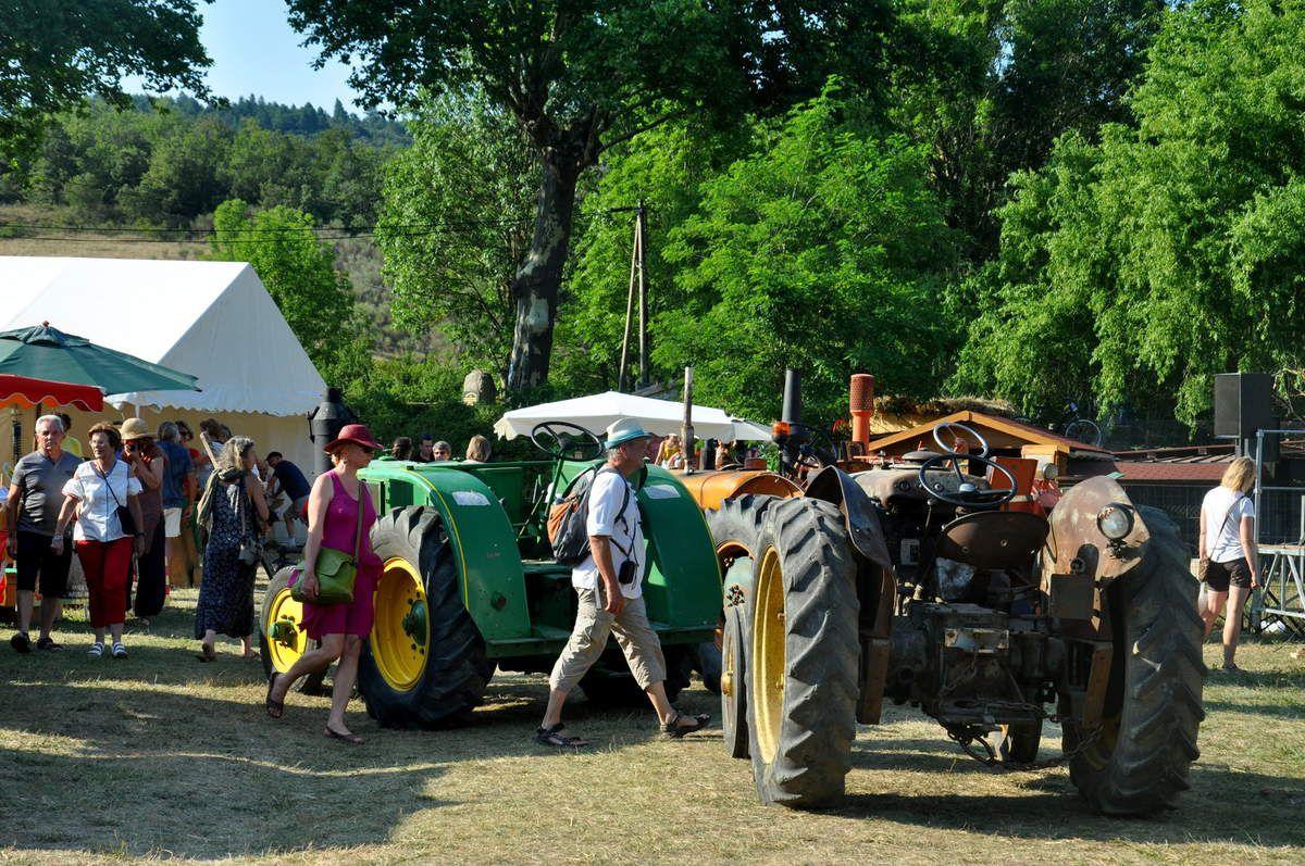 Tracteur au point central.