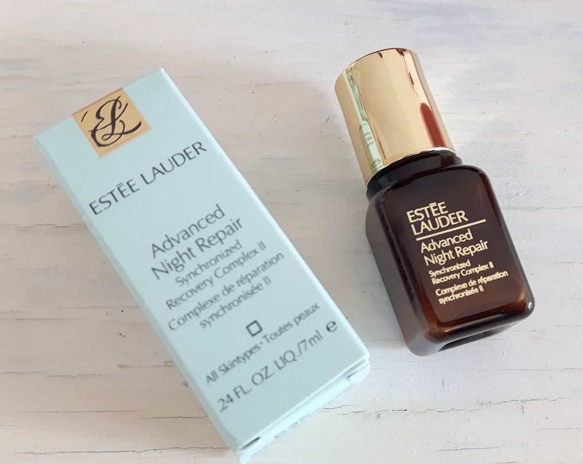 Le sérum advanced night repair de chez Estée Lauder, un best seller sur le banc d'essai.