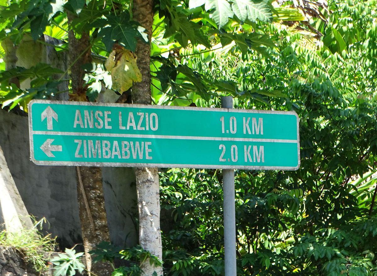 L'arrivée sur Anse Lazio.