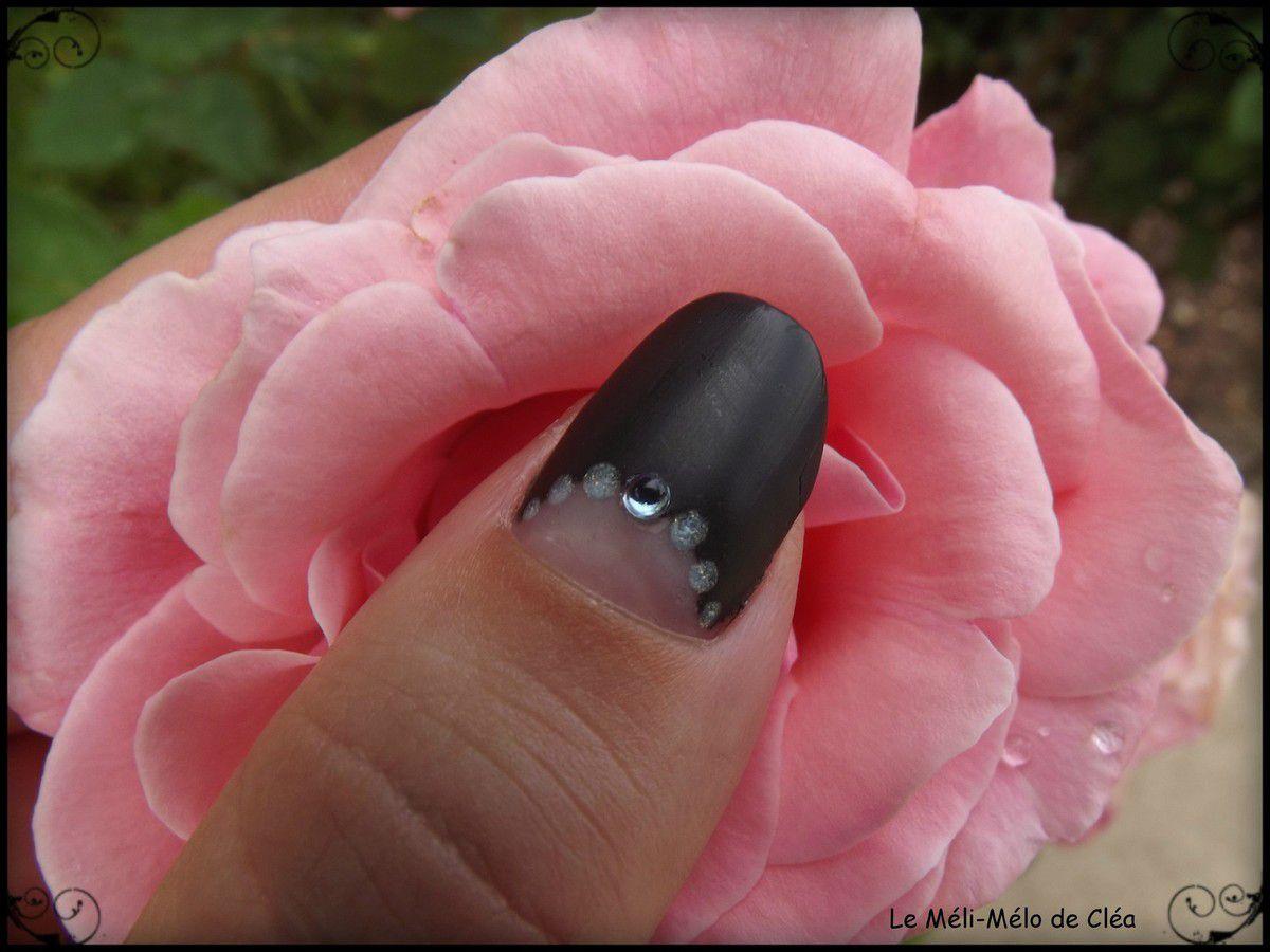 Nouveau Nail Art noir !