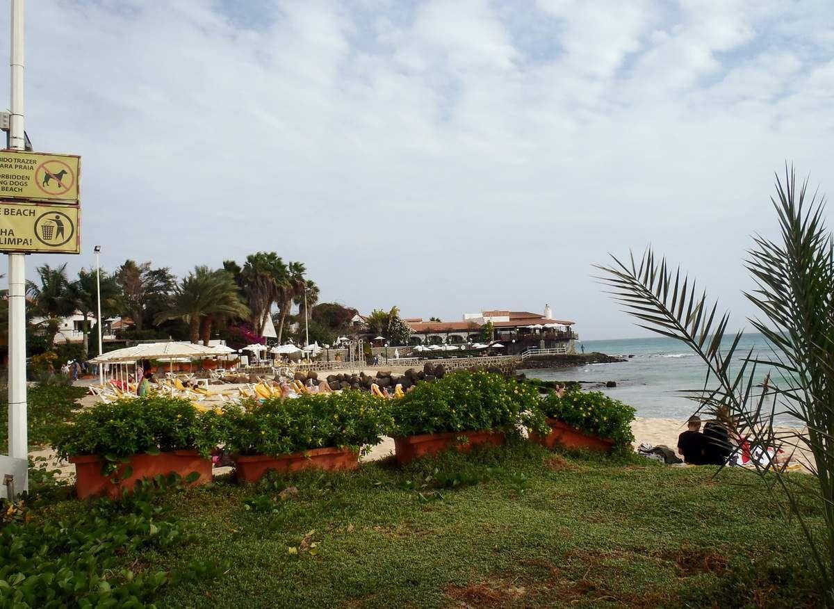 Am Strand von Santa Maria auf Sal