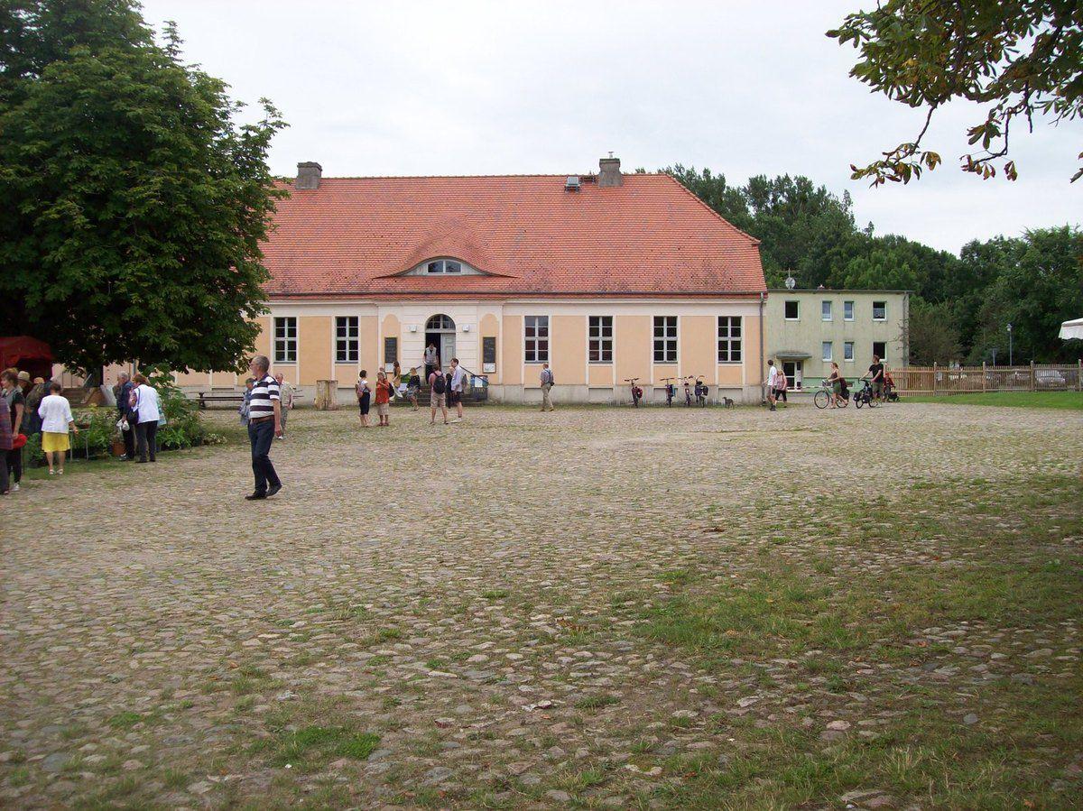 Auf dem Maulbeerfest in Zernikow