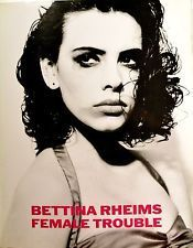 BETTiNA RHEiMS EXPOSE à PARiS...