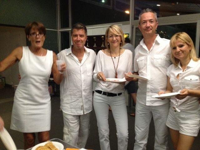Blanc, blanc, blanc..............