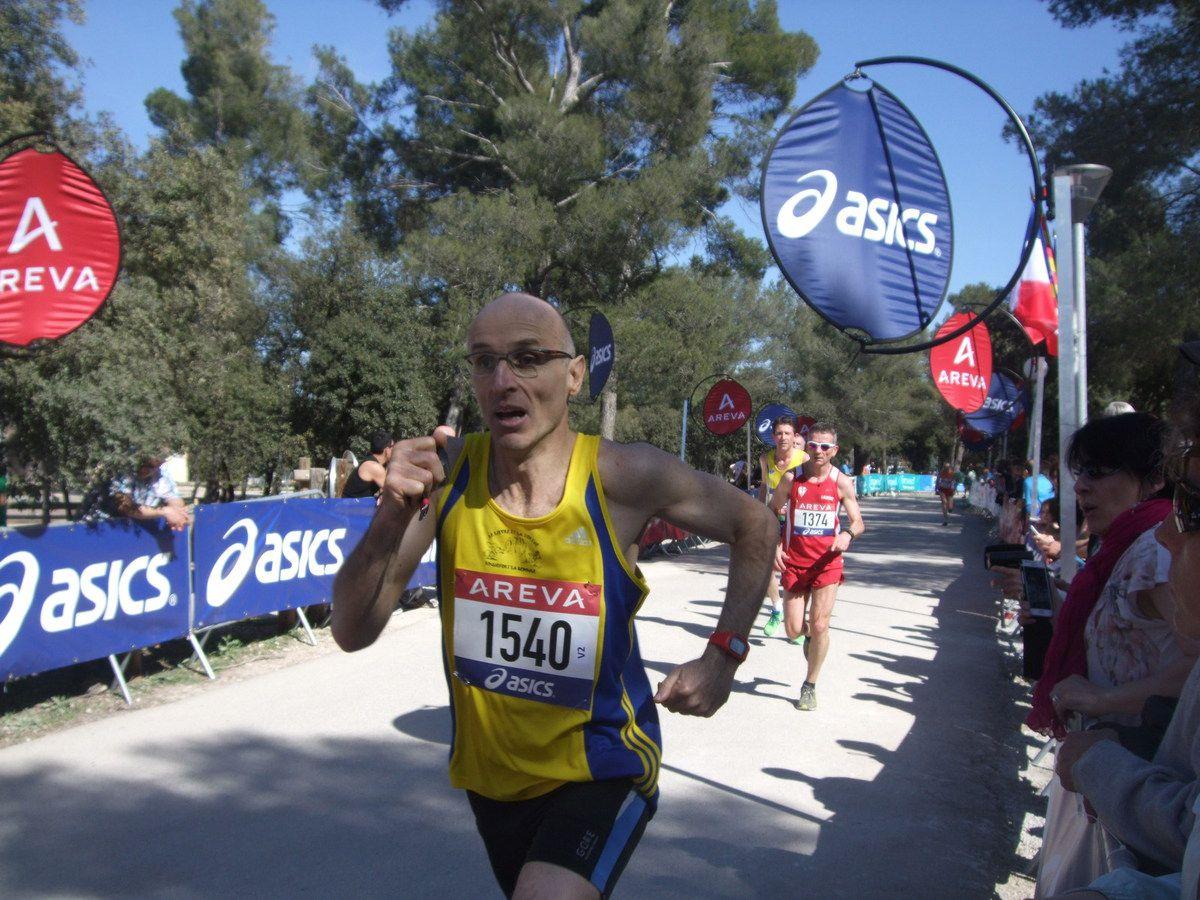 FARID à l'Ekiden de Toulon avec Jules et Alan - THIERRY aux championnats de France de 10kms