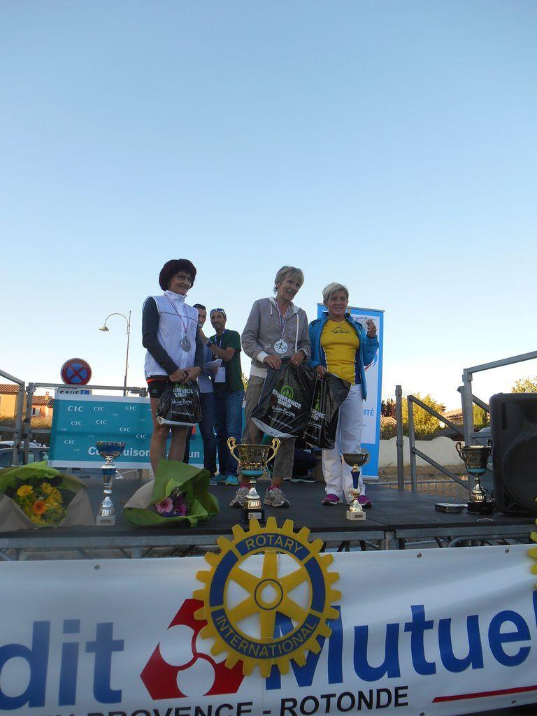 les podiums avec INES, AMELIE, LOUISE, AUDREY et HELENE