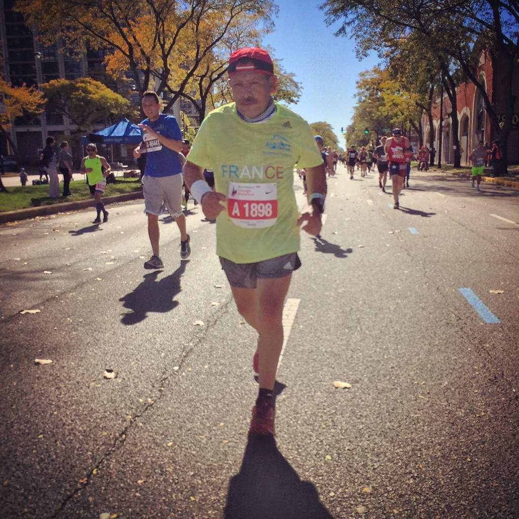 FARID lors du marathon de CHICAGO - la photo de THIERRY arrive...