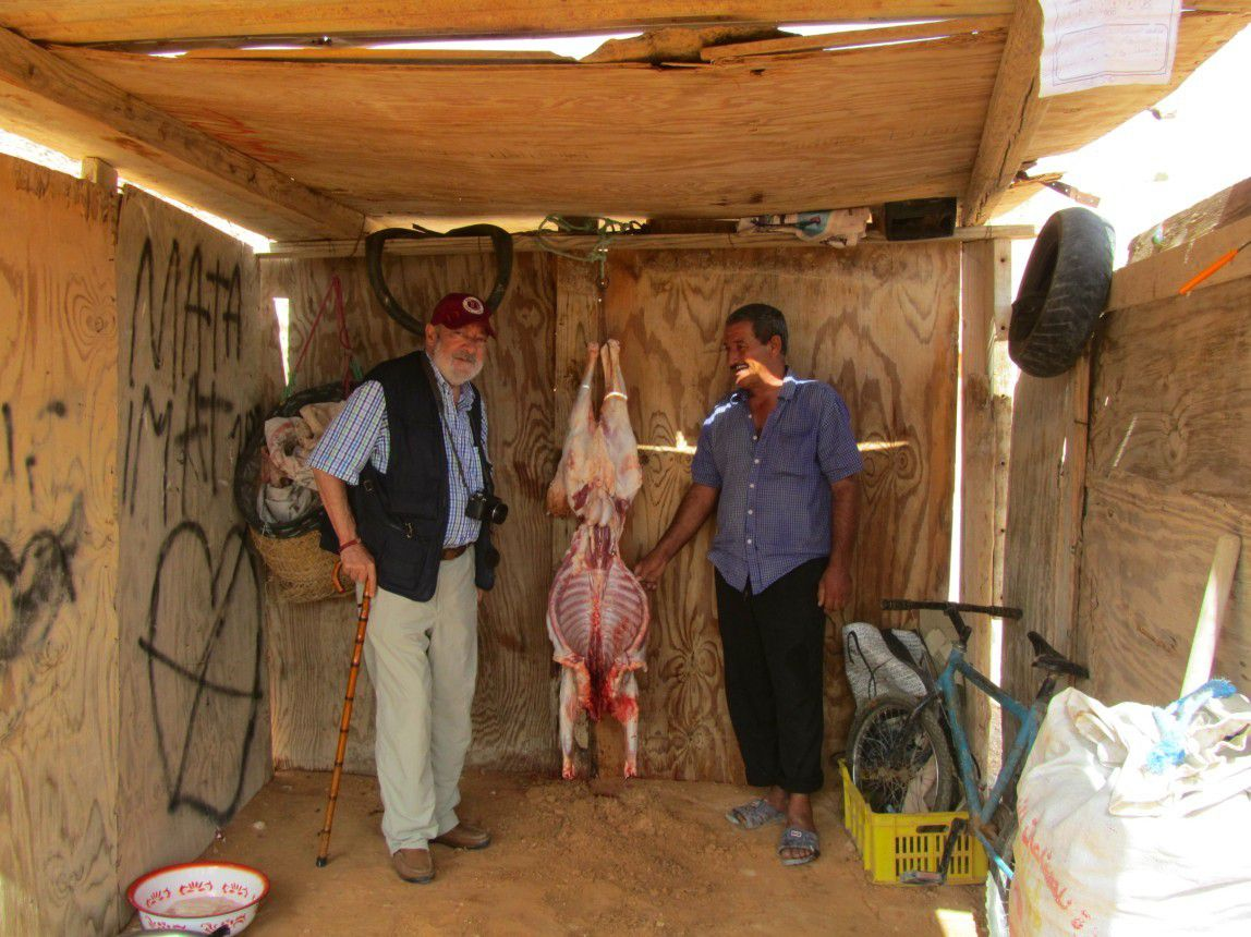 La Fiesta Del Cordero (fiesta religiosa en la que la familia sacrifica un cordero siguiendo la tradición)