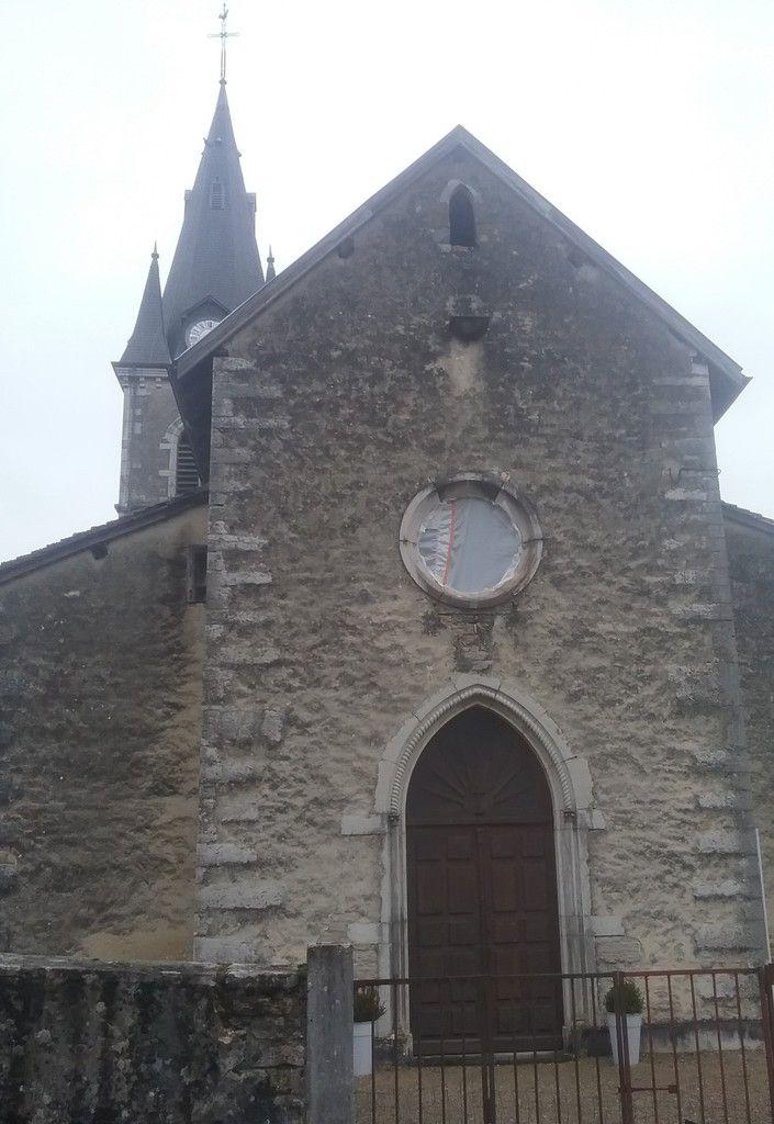 Les travaux de rénovation des vitraux ont commencé à Rignat