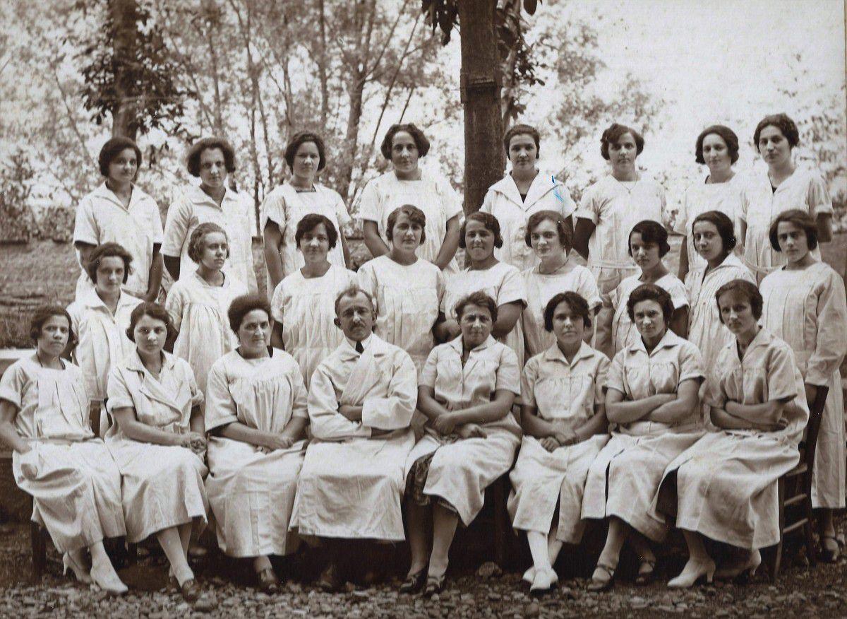photos de l'école de sage-femme du Dr Pélicand en 1924 et 1926