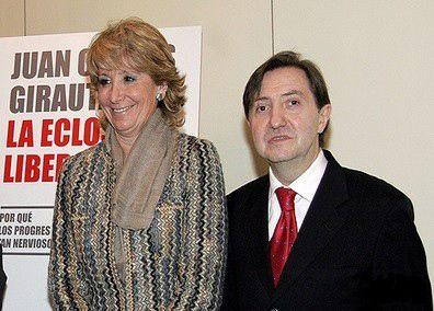 España: Pablo Iglesias (Podemos) vende mas libros que &quot&#x3B;los federicos&quot&#x3B;- J J Vazquez y Belén Esteban juntos