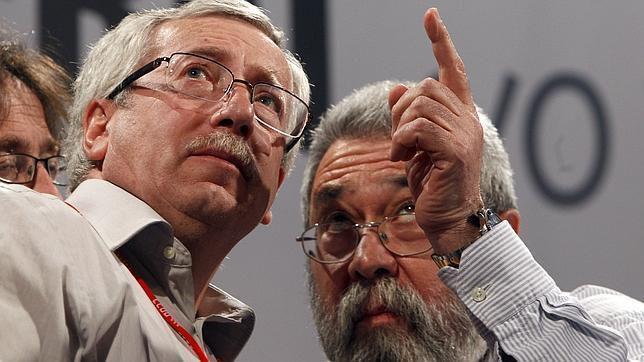 España: Dos organizaciones creadas para el delito (de las muchas que tenemos) UGT y CCOO - &quot&#x3B;Pillan&quot&#x3B; de la Junta de Andalucia siete millones seiscentos mil euracos mas, mientras susana díaz continua en &quot&#x3B;el candelabro&quot&#x3B; del &quot&#x3B;trinque&quot&#x3B;. Que asco me dan