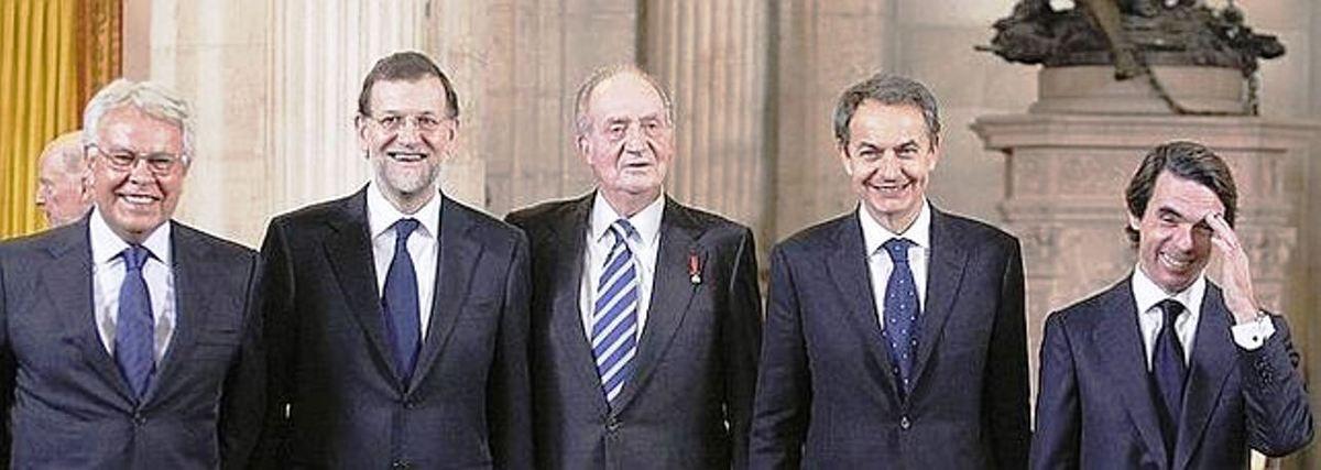 ESPAÑA: Cataluña sin gobierno  - España dejandose llevar por la corriente del &quot&#x3B;sistema&quot&#x3B; - creado en la bastarda transición solo para dos partidos - dos organizaciones criminales (PP y PSOE) que han desguazado éste pais para los proximos 100 años -  España sin gobierno y sin posibilidades de tenerlo Eso si - éste &quot&#x3B;ejercito&quot&#x3B; de terroristas economicos sigue cobrando - continuan con sus privilegios medievales - tienen a jueces y fiscales de su parte - ¡¡Qué pena!!