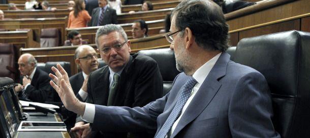 ESPAÑA: El Estado paga más de un millón de euros al año a diputados electos fuera de Madrid para los gastos básicos de sus funciones a pesar de que éstos cuentan con vivienda en la capital de España --  Es un negocio cojonudo ser diputado -- concejal o conserje siempre que sea de la Zarzuela o la Moncloa -- ¡¡&quot&#x3B;Van sobraos&quot&#x3B;!!  &quot&#x3B;El dinero de los ciudadanos no es de nadie&quot&#x3B; -- Tiene c.....s la cosa