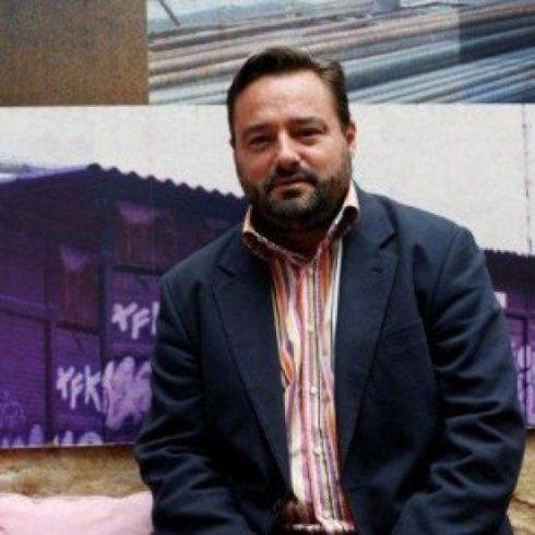 ESPAÑA: &quot&#x3B;Perro Sanchez&quot&#x3B; y &quot&#x3B;Omaita&quot&#x3B; PSOE -- mantienen al alcalde de Puente Genil -- Esteban Morales que protege al jefe de la policia local -- procesado por corrupción de menores -- entre otros gravisimos delitos --  Eduardo Zaplana &quot&#x3B;tiene un problema del 3%&quot&#x3B; -- Nueva trama de maleantes en Valencia con el consejero de Telefonica en la picota --