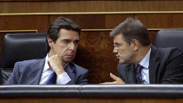 ESPAÑA: &quot&#x3B;Marrano&quot&#x3B; rajoy está politicamente muerto -- Antes de enterrarlo yo quiero que se siente en el banquillo y juzgarlo por todos los crimenes cometidos desde que empezó siendo concejal en Galicia -- Hace mas de 30 años -- Puesto que sus crimenes son superiores a los cometidos por Fugimori, Gadafi y Sadam Husein juntos -- Tiene que pagar por ello -- Albert Rivera campeón del debate a &quot&#x3B;tres&quot&#x3B; -- &quot&#x3B;Perro&quot&#x3B; sanchez ya no cuenta -- Solo nos falta juzgar a &quot&#x3B;Marrano&quot&#x3B; y sus secuaces -- Espero que Podemos nos ayude a hacer justicia -- ¿Como es posible que Obama diga: El atentado de Orlando es &quot&#x3B;terrorismo domestico&quot&#x3B;? -- No señor es terrorismo islamico -- Y lo último: porqué recauda menos la SS hoy que en 2011 -- Porque donde habia un español con derechos hoy tenemos tres &quot&#x3B;esclavos&quot&#x3B; -- Gracias al PP -- Malditos sean