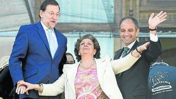 ESPAÑA: El Rey de España no puede encargar la formación de Gobierno al capo de una organización criminal (PP S.A.) que entre otras cosas -- ha dinamitado al principal partido de la oposición (Psoe S.A.) -- En éste momento los tribunales de justicia tienen en el banquillo: a la Gurtell, Punica, targetas black y numerosos casos de financiación con dinero negro --  procedente de la corrupción poltica -- ¡¡&quot&#x3B;Marrano rajoy con su banda no puede presidir un nuevo gobierno!! --