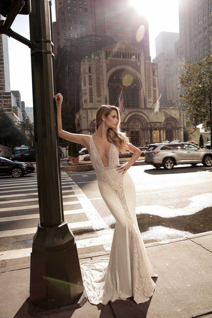 mode,fashion,wedding dresses,collection Berta 2017,robe de mariée,bridal,mariage,wedding,femme,woman,women,beauté,beauty,glamour,sensual,sensuelle,sexy,art,medlinyaart