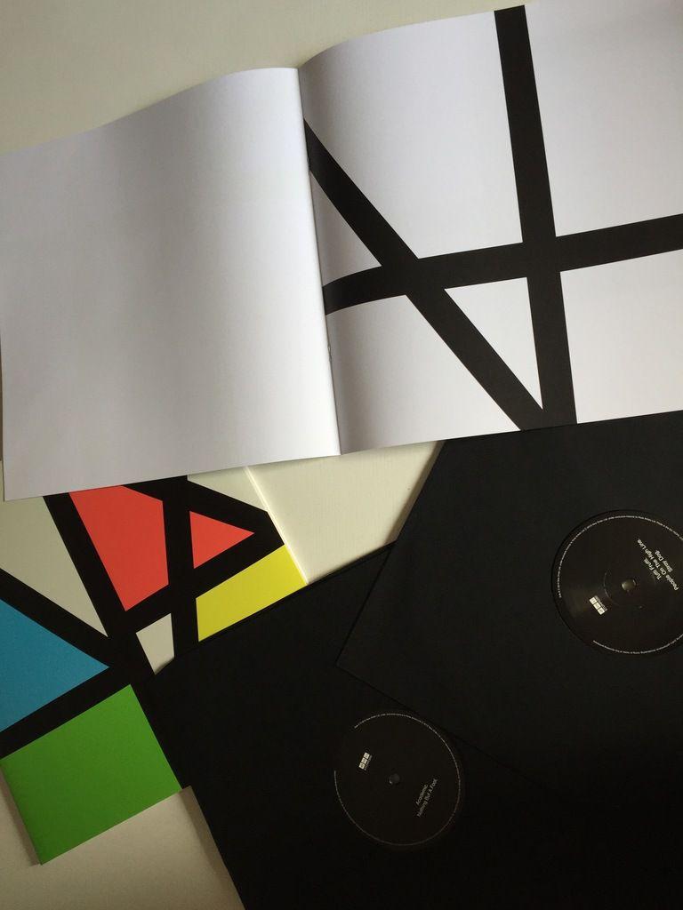 Vinyl Ausgabe von MUSIC COMPLETE
