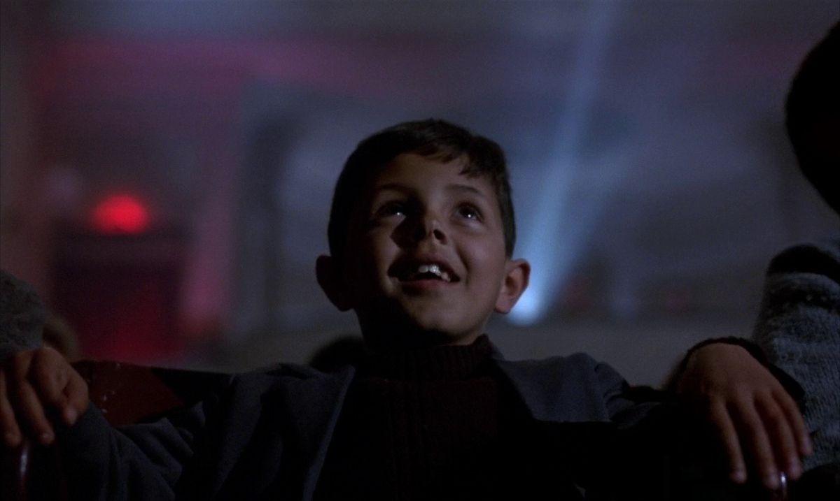 Der hat's gut! Er verliebt sich gerade ins Cinema Paradiso....