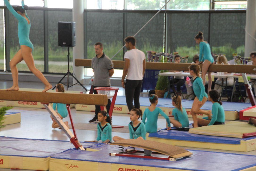 Deux compétitions régionales de Gymnastique Féminine de la FSCF ... bb50dfa088d