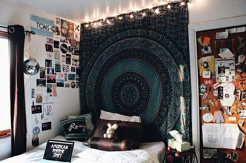 10 l ments pour une chambre inspiration tumblr evil babie. Black Bedroom Furniture Sets. Home Design Ideas