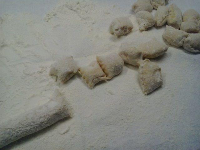 Gnocchi di patate ricotta e zucchine con code di gambero argentino &quot&#x3B;Lanzal&quot&#x3B;