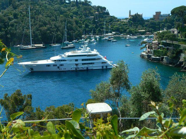 Passeggiata sul &quot&#x3B;red carpet&quot&#x3B; piu' lungo del mondo, da Santa Margherita Ligure a Portofino - Sequenza fotografica