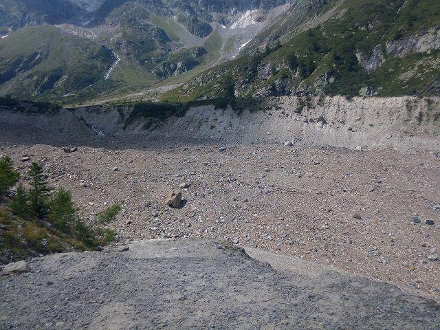 La morena del ghiacciaio da attraversare