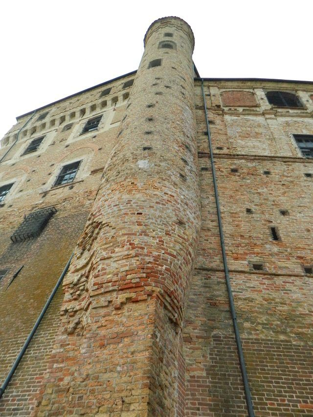 Il castello di Roddi (CN)