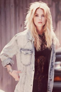 Get the look #1 Ashley Benson → Street-Grunge look