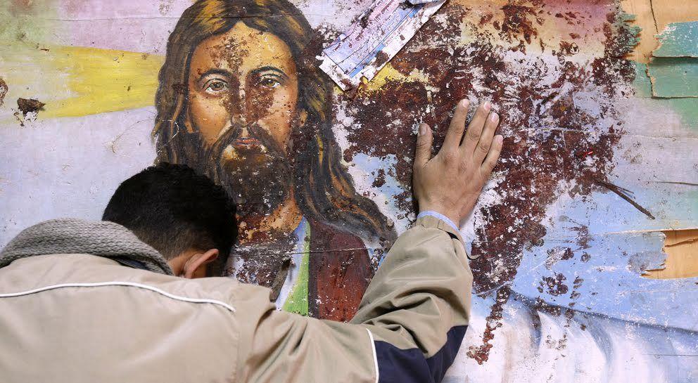 Les lieux de culte sont détruits et les fidèles sont aujourd'hui à la merci d'extrémistes islamistes dont personne actuellement n'est capable de mettre un terme à leurs folies meurtrières.  Les chrétiens n'ont pas d'autres choix que de mourir dans des conditions atroces ou de quitter leur pays d'origine.   Chaque jour, par milliers, ils sont chassés de leurs pays. Notamment d'Irak et singulièrement de Mossoul.