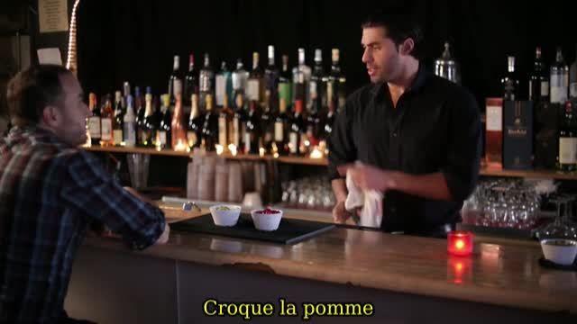Le barman et ses pommes magiques