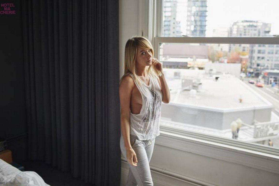 """Séance photo - Sara Jean Underwood """"Hotel Ma Cherie"""" (51 PHOTOS)"""